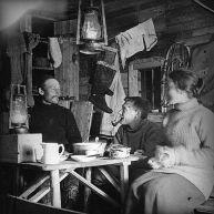 596px-Cabane_Labrador_1915