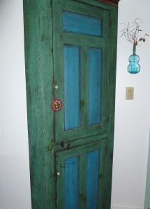 door with mona lisa